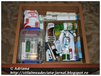 organizare sertar cu medicamente