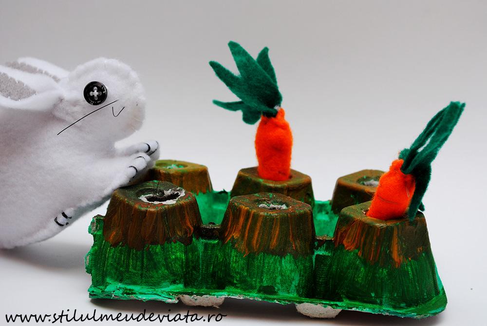 morcovi și iepuraș din fetru