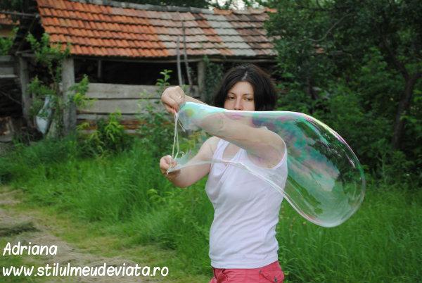 Baloane uriaşe de săpun