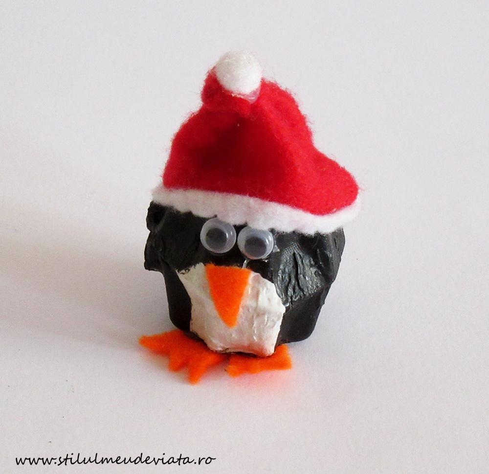 pinguin din cofraj de ouă