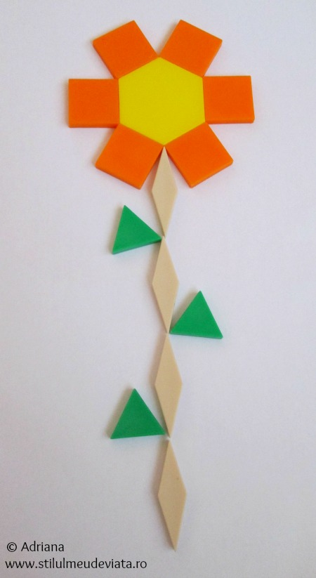 floare din piese tangram