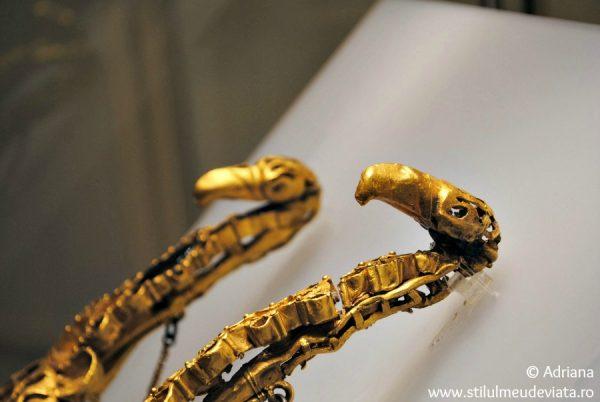 Tezaurul de la Pietroasa (Cloşca cu puii de aur)