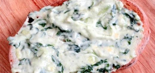 pasta de avocado cu leurda