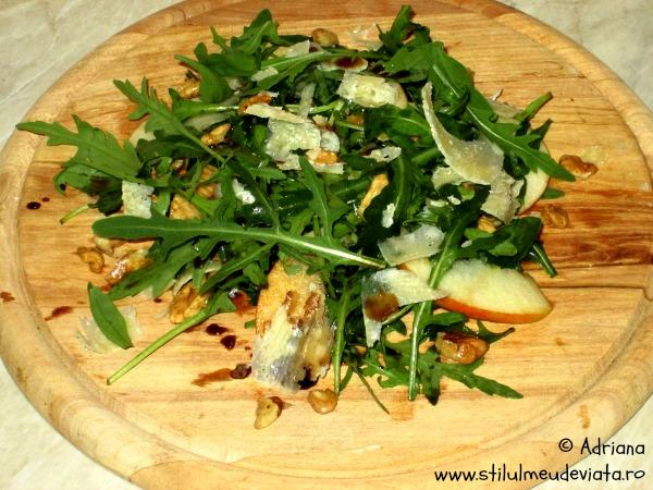 salata de rucola cu nuci si parmezan
