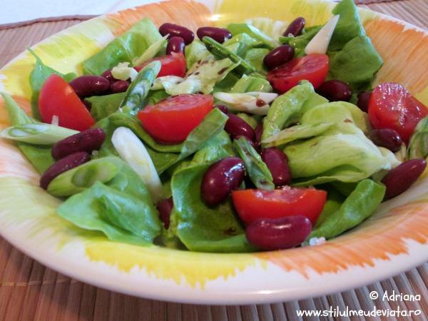 salata verde cu fasole boabe