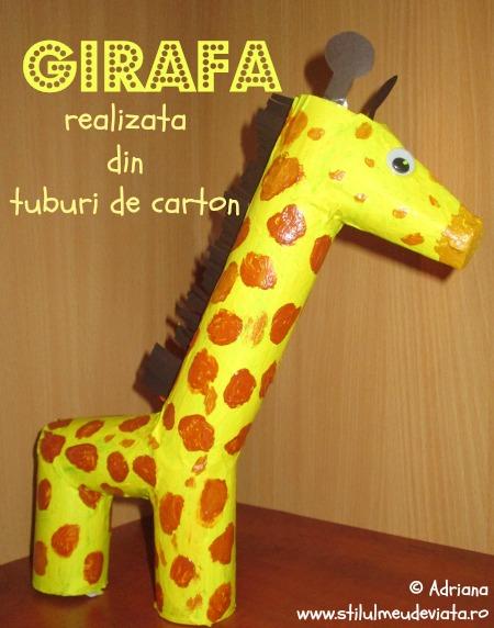 girafă realizată din tuburi de carton