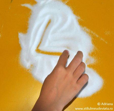 litera L, tablita cu sare