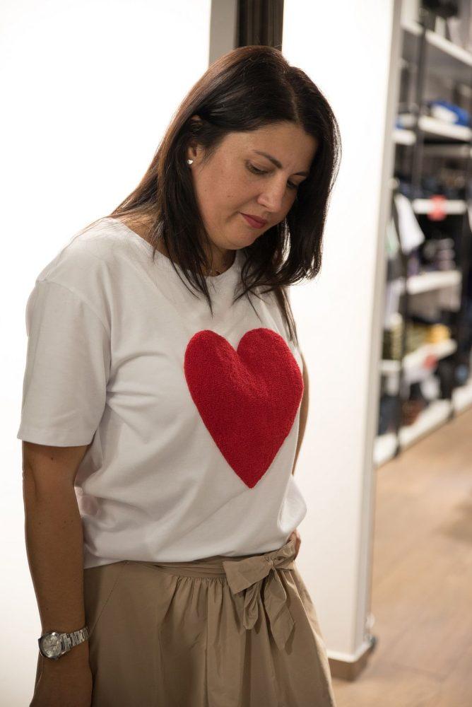 fusta cloş şi tricou cu inimioară