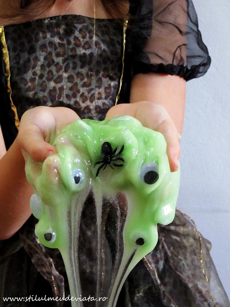 slime verde (pentru Halloween)