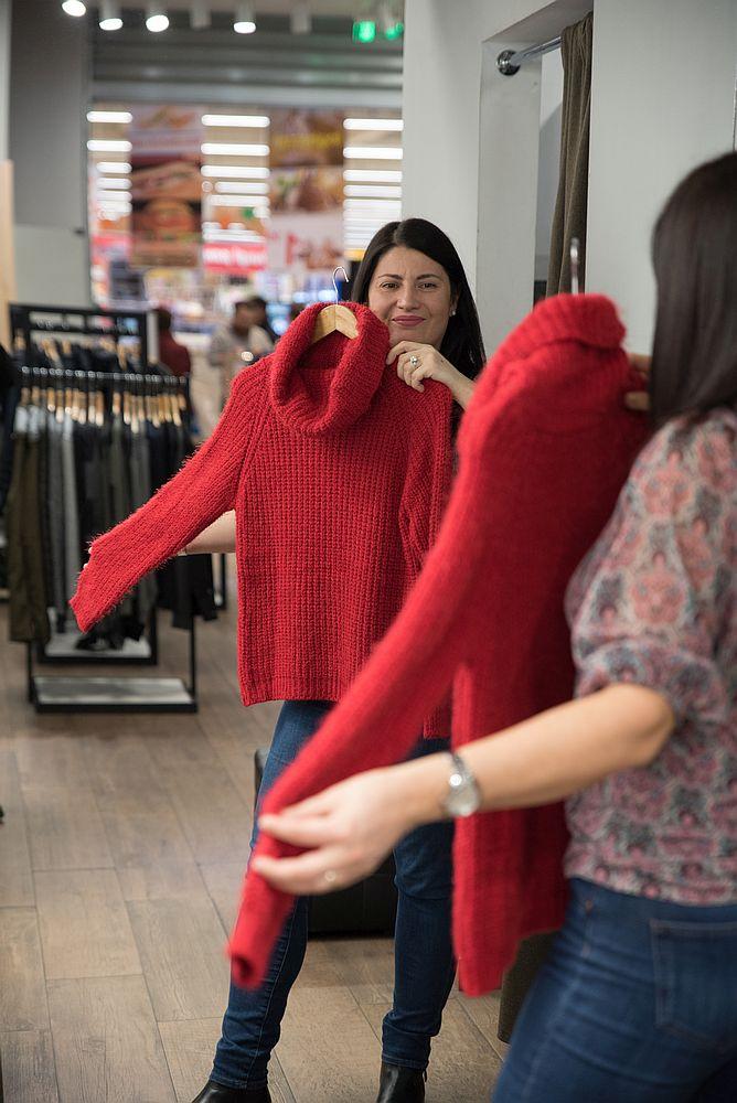 pulover roșu pentru femei