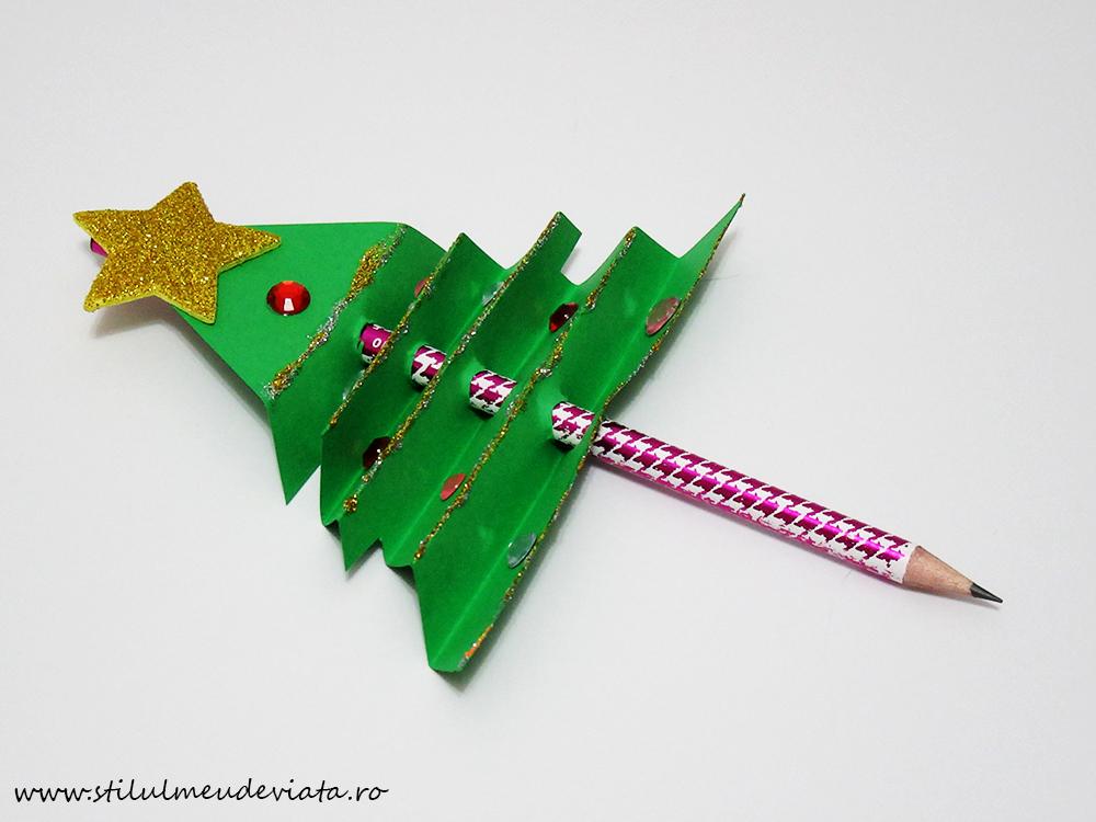 creion cu brăduț de Crăciun1