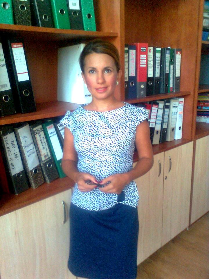 Felicia Ion, profesor de Cultura civica