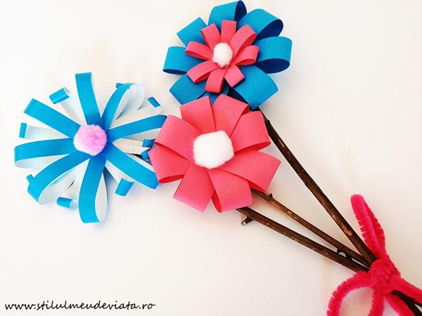 flori din hârtie colorată