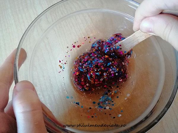 slime cu confetti